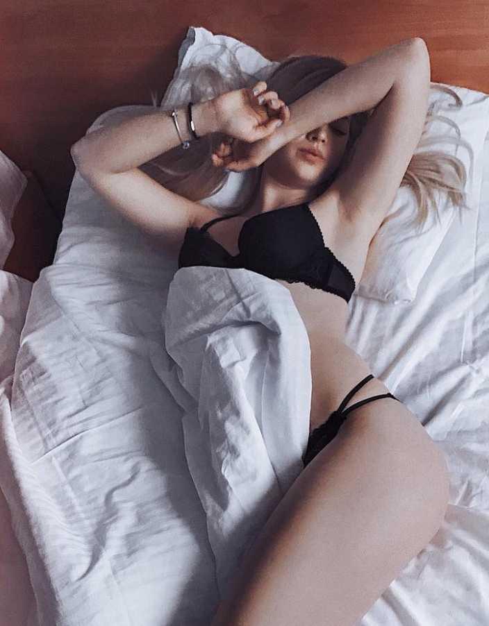 Аня Покров в нижнем белье (5)