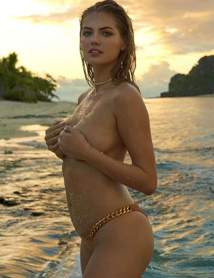 Кейт Аптон топлесс (7)