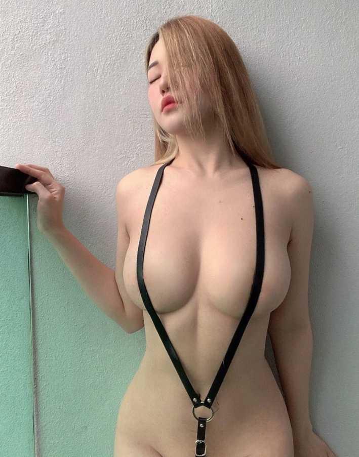 Siew Pui Yi грудь (1)