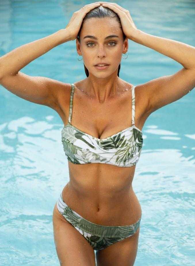 Элизабет Тёрнер горячие фото в купальнике (5)
