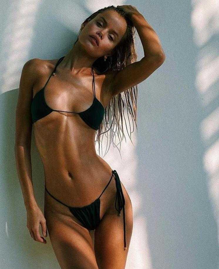Фрида Аасен в купальнике и бикини горячие фото (11)