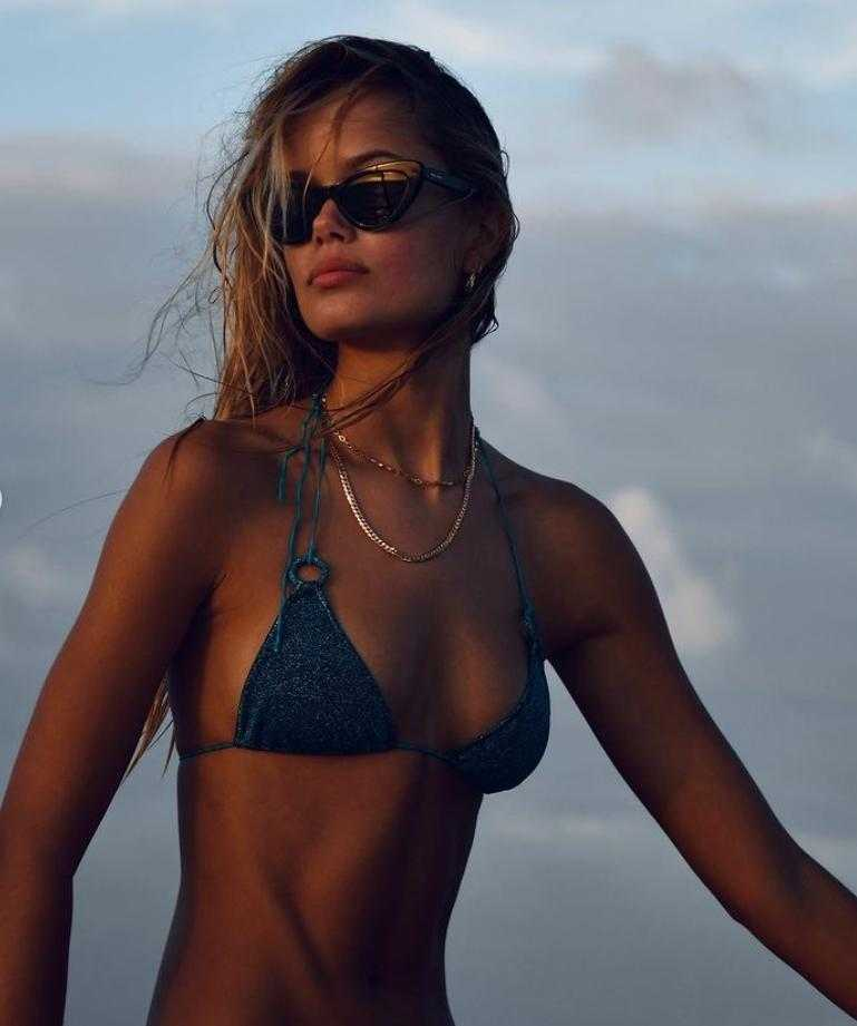 Фрида Аасен в купальнике и бикини горячие фото (13)