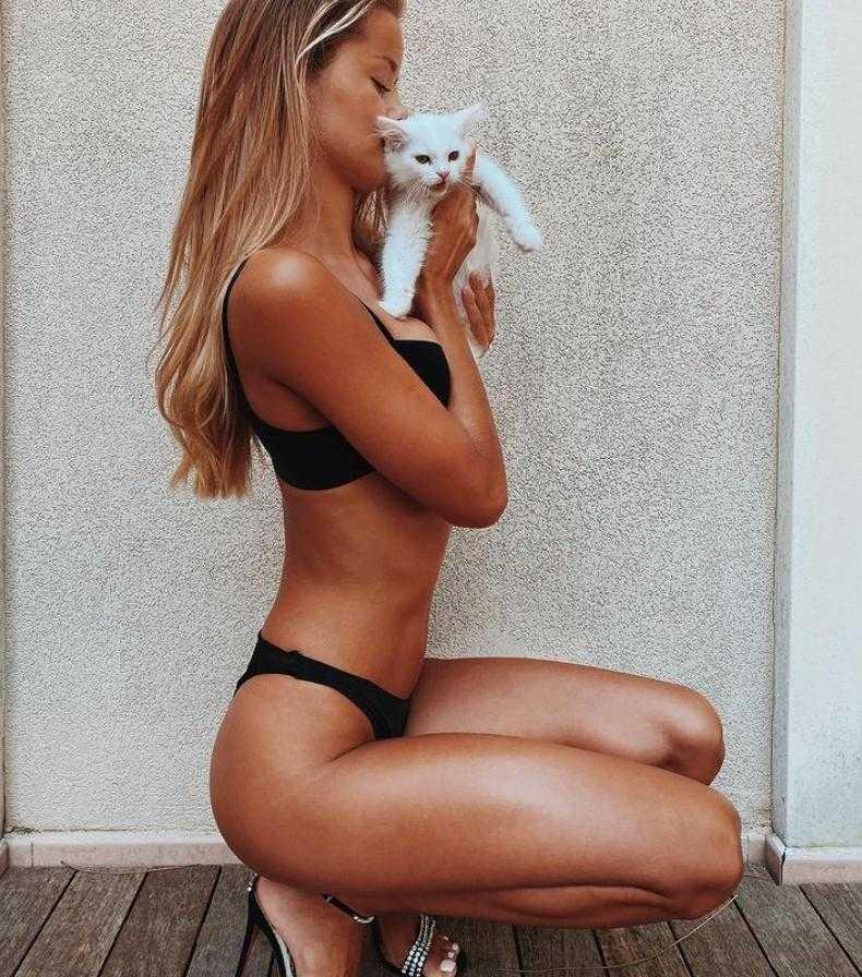 Фрида Аасен в купальнике и бикини горячие фото (5)