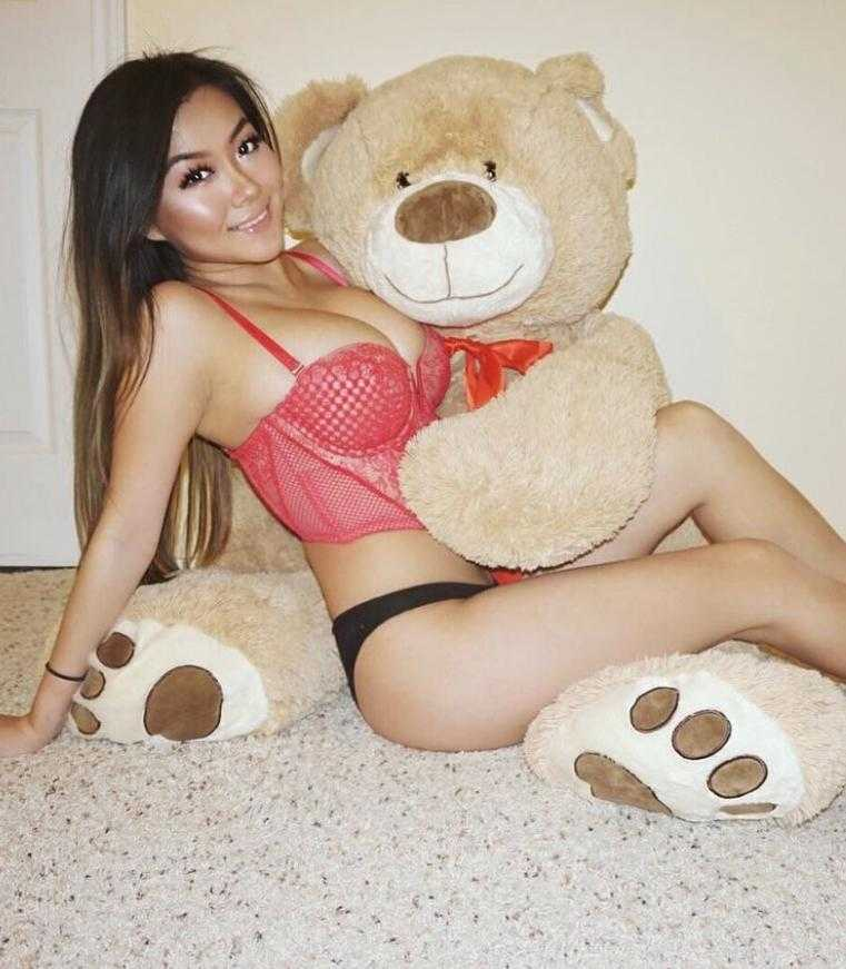 Vicki Li в нижнем белье (6)