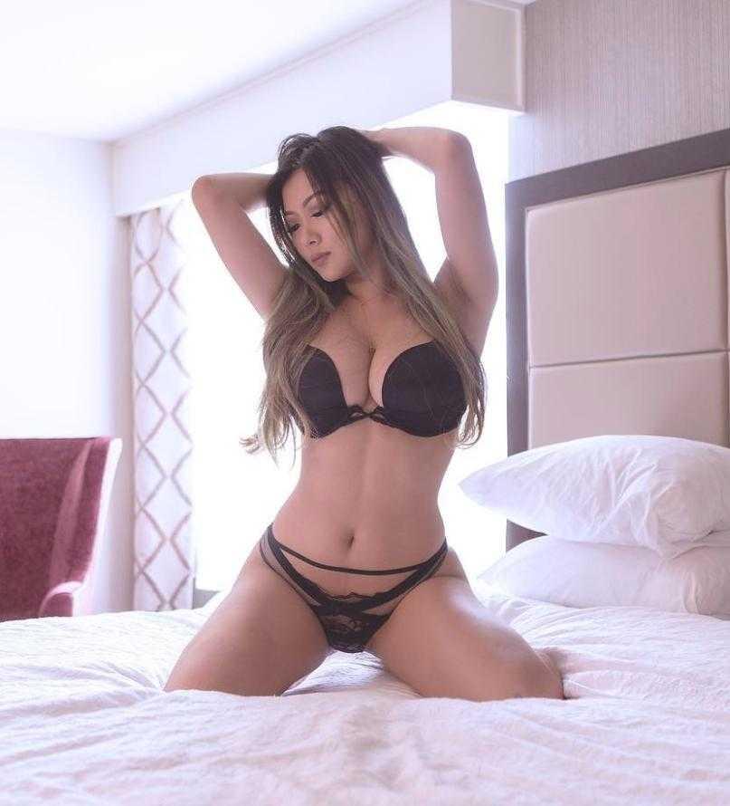 Vicki Li в нижнем белье (9)