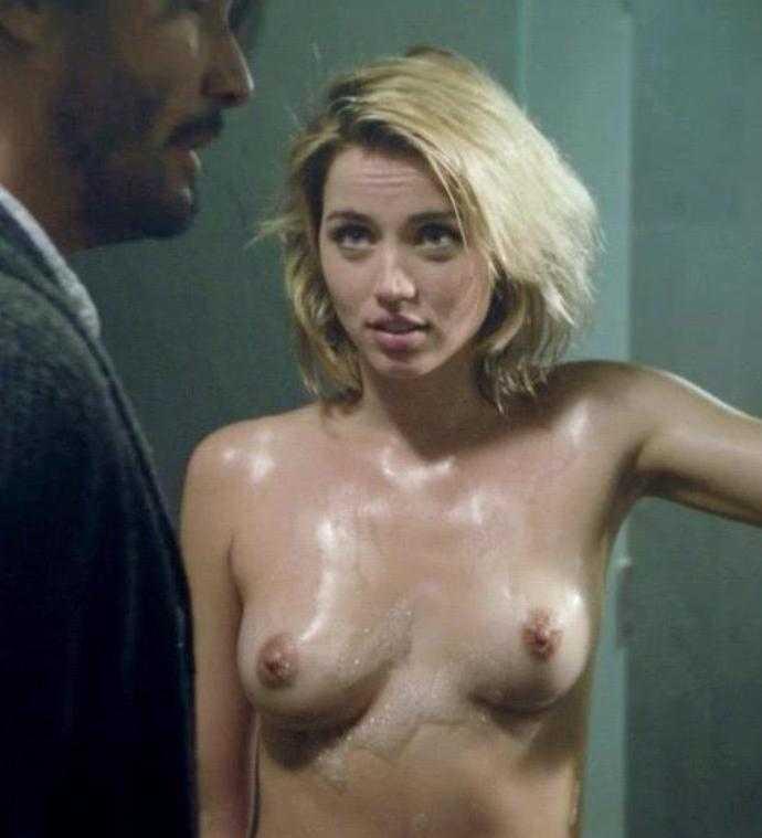 Анна Де Армас полностью обнажённая без одежды (1)