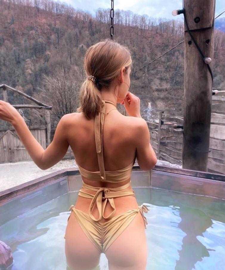 Мария Вэй в купальнике и нижнем белье (1)