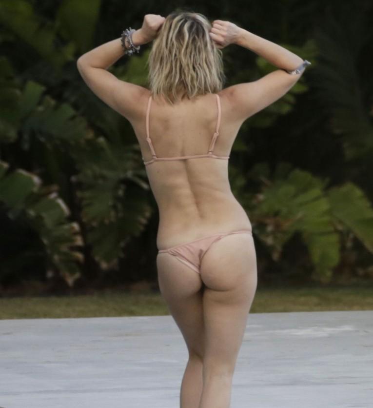 Кейт Хадсон в купальнике (5)