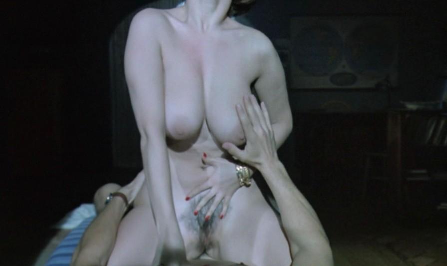 Дебора Каприольо голая (3)